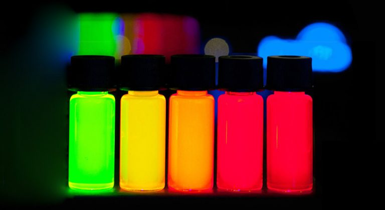 Quantum Dots with gradually stepping emission from violet to deep red
